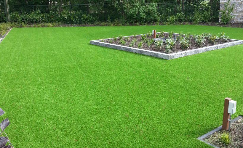 20130530 174224 820x500 - Kunstgras voor in uw tuin