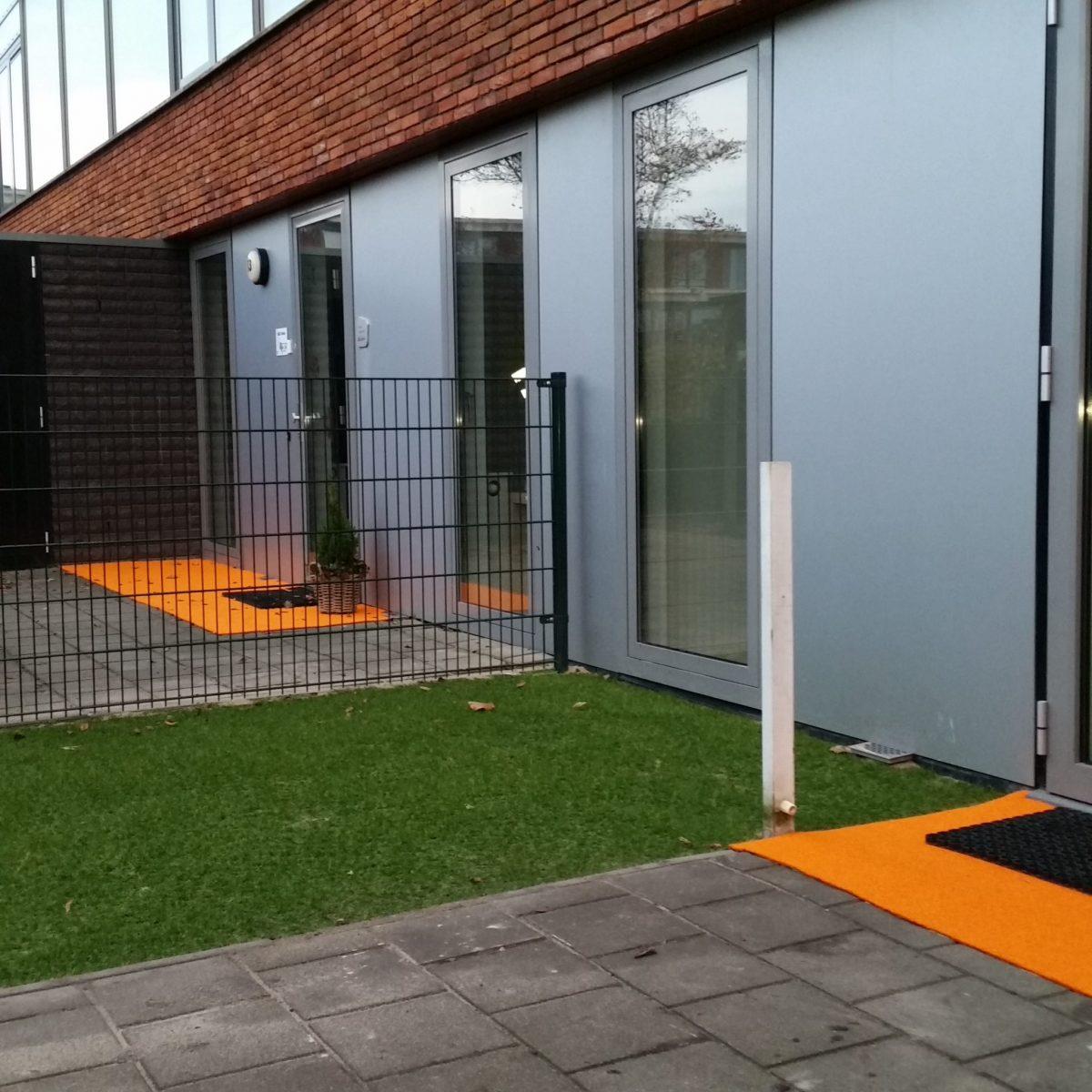 Buitentapijt oranje deurmat
