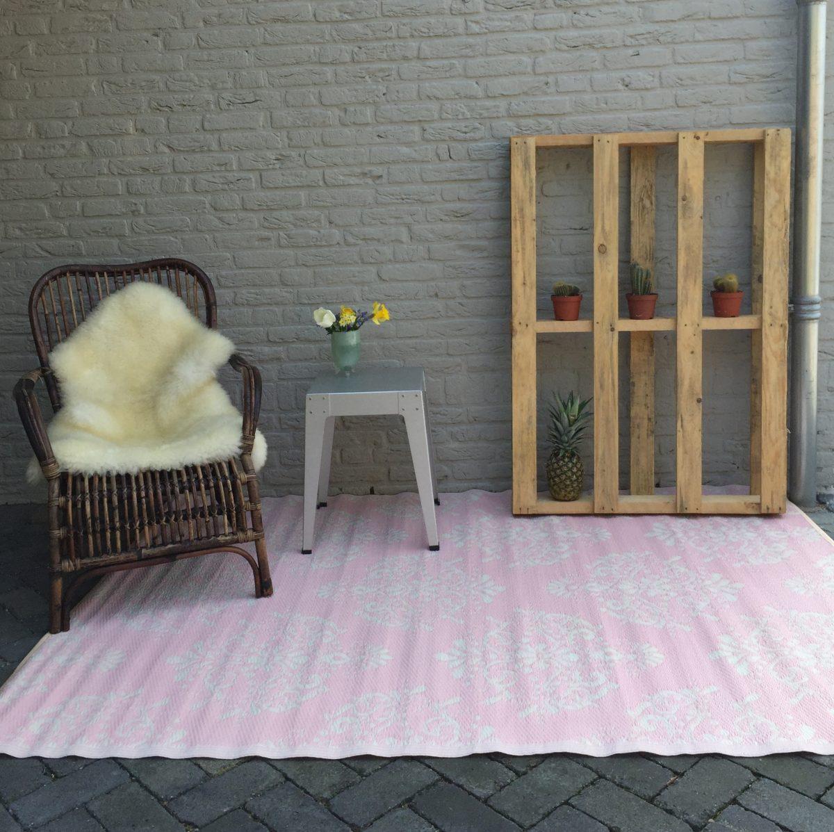 Plastic buitentapijt zambia roze