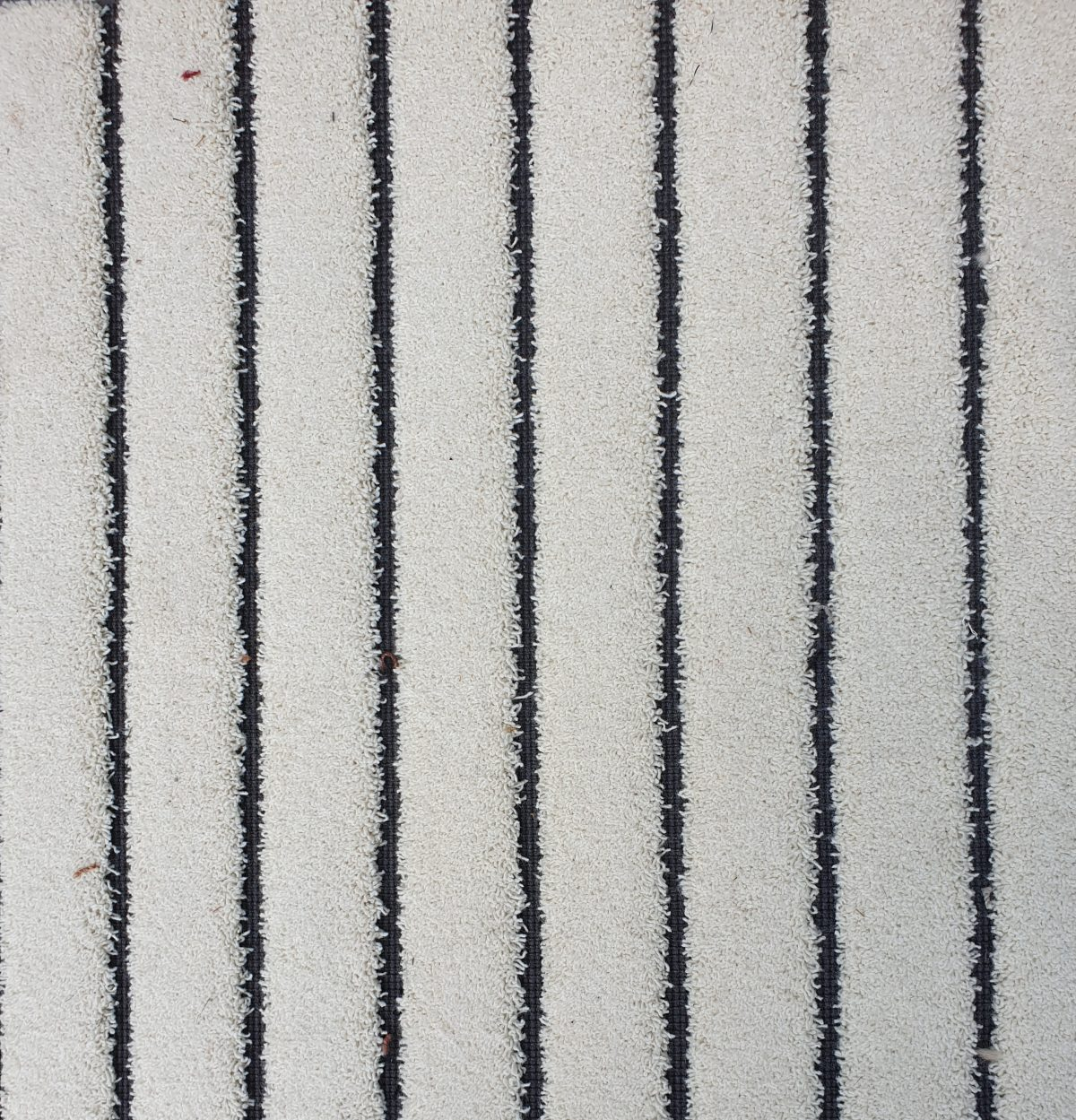 5501 off white 2 1200x1249 - Van Besouw type 5501